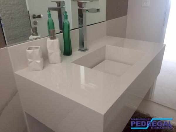 Pedregal Mármores e Granitos  Portfólio # Nicho Banheiro Silestone